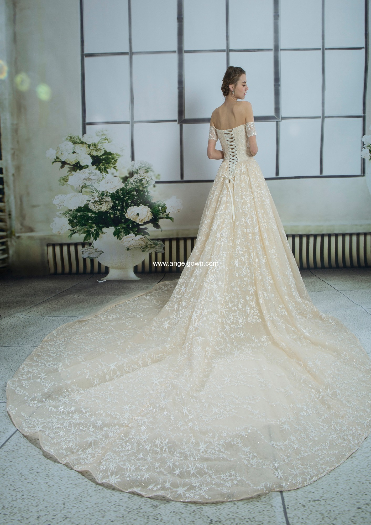 Cheap lace wedding gowns