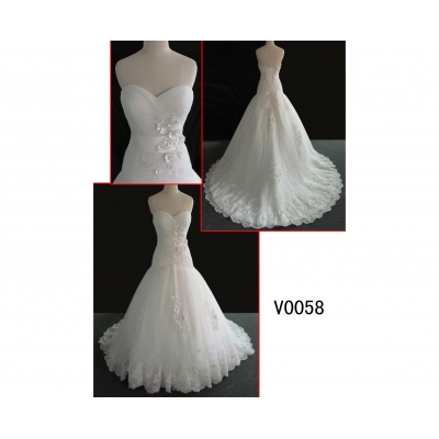 V0058 elegant sweetheart neckine lace wedding gown